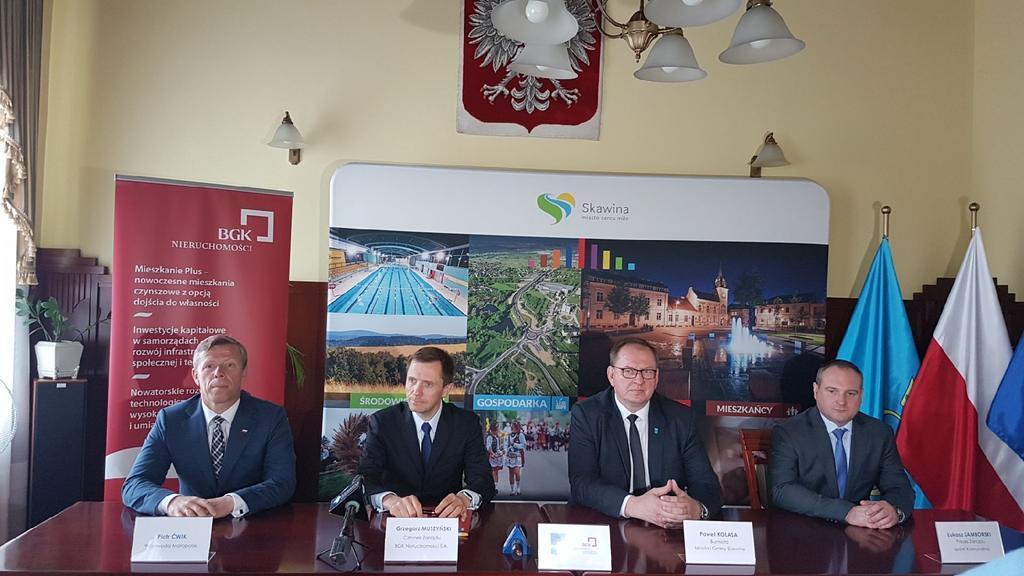 Umowę na budowę mieszkań w Skawinie podpisano w poniedziałek 26 czerwca 2017 r. (fot. MIB)