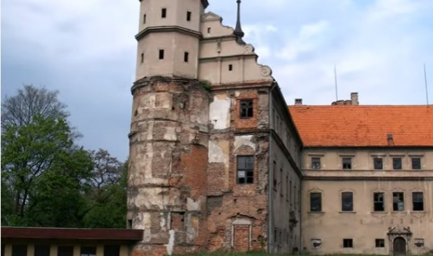 Opolskie: Pięć mln zł na odbudowę zamku w Głogówku
