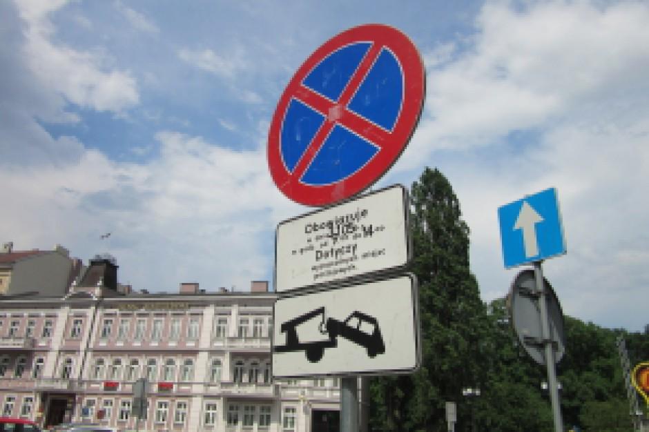 Miejsce zamieszkania nie daje prawa do parkowania na drodze publicznej