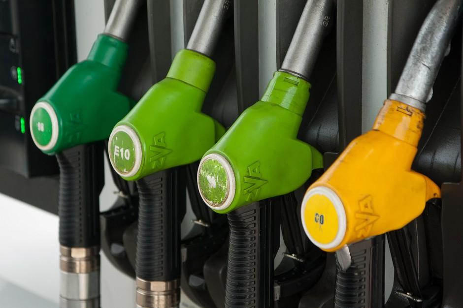 Ceny paliwa idą w górę. Pieniądze pójdą na budowę dróg