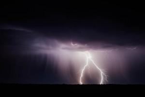 Brak prądu i szkody po burzach