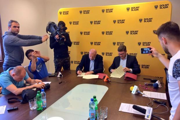 Podpisanie umowy (fot. UM Wrocław)
