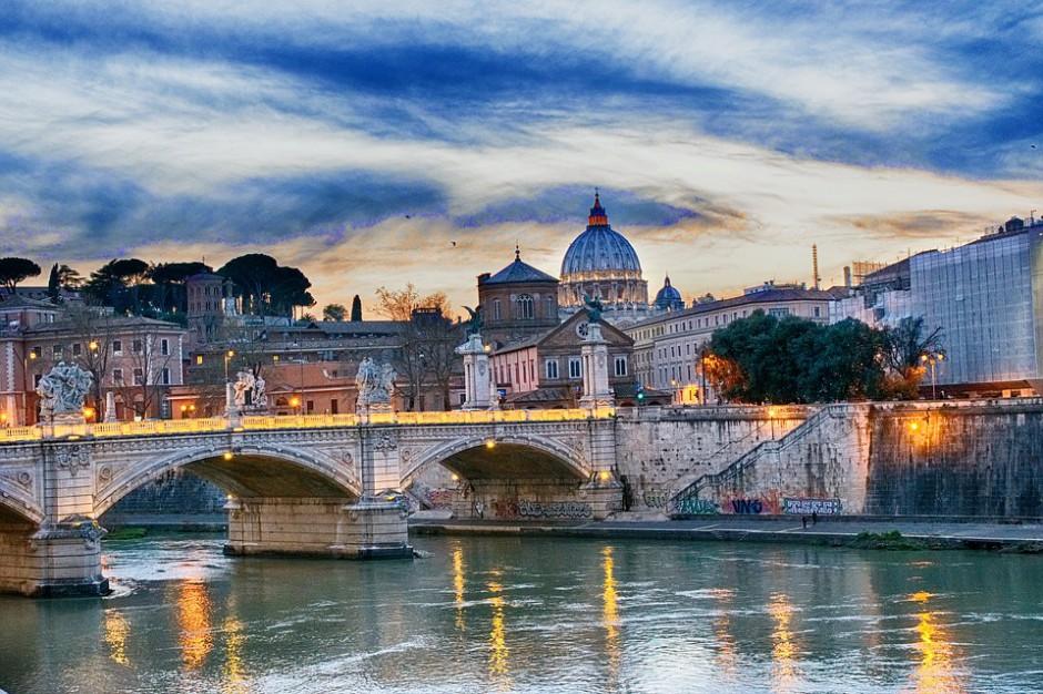 Władze Rzymu walczą z tzw. mafią taksówkową. Orężem są pracownicy urzędu