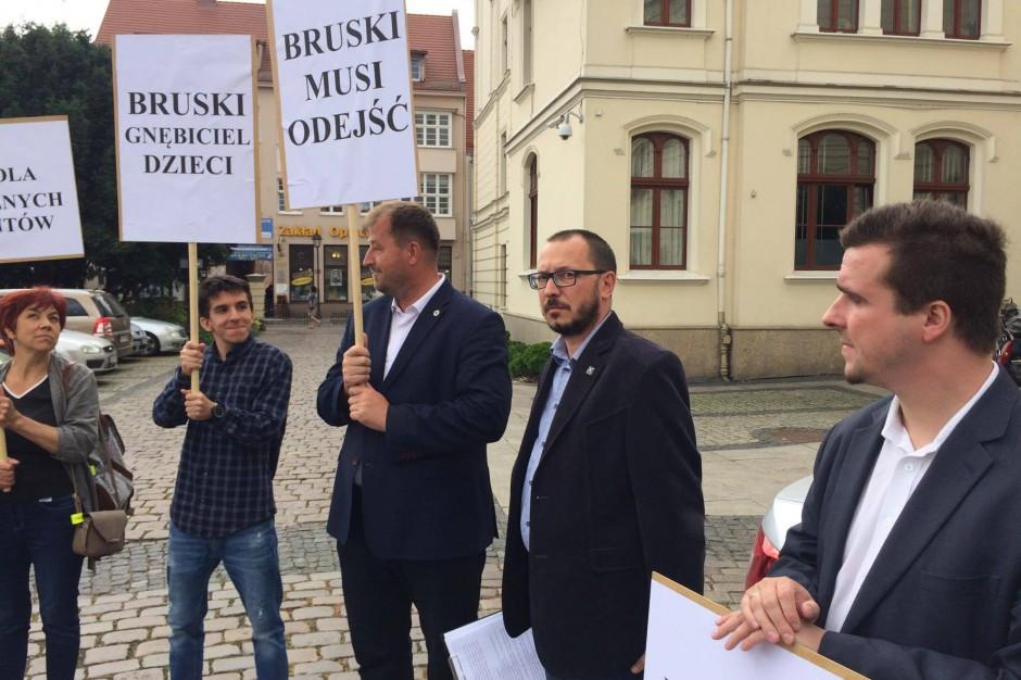 Chcą referendum w sprawie odwołania Rafała Bruskiego