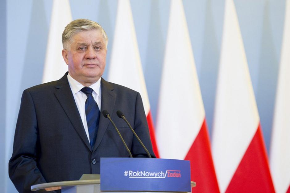 Dziki to jest jedno ze źródeł przenoszenia ASF-u - mówi minister (Krzysztof Jurgiel, fot.twitter.com/PremierRP)