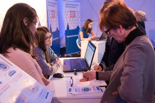 Budżet obywatelski Krakowa:  Trwa weryfikacja i liczenie głosów