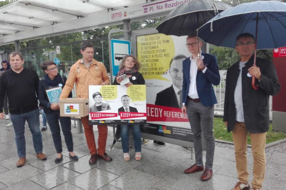 ZNP i rodzice chcą jak najszybszego rozpatrzenia wniosku o referendum. Jest petycja