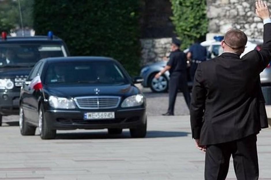 Donald Trump w Polsce, Warszawa: Policjanci i strażnicy na ulicach. Nad miastem helikopter