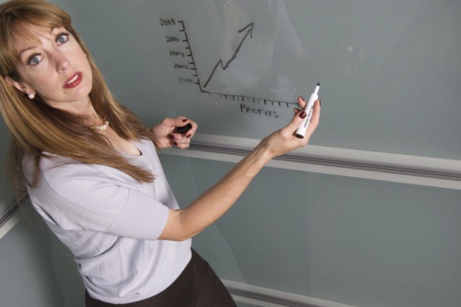 Nauczyciela zatrudnisz tylko na umowę o pracę?