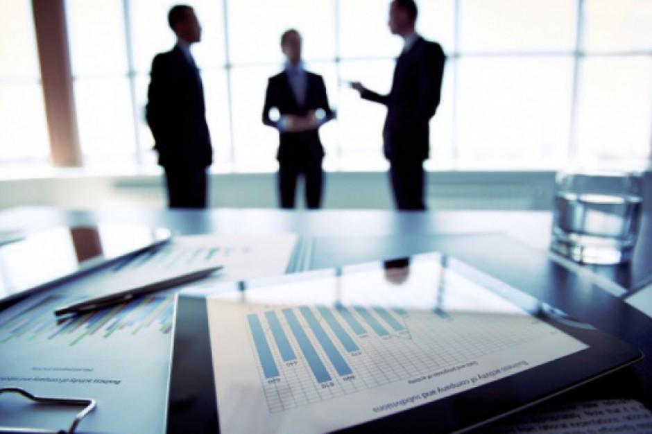 Gabinety polityczne w samorządach do likwidacji: To koniec doradców i asystentów