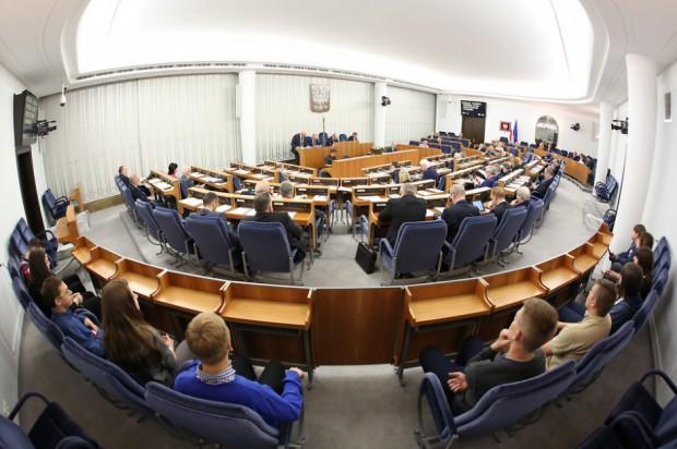 Senat: Komisja bez poprawek do noweli ustawy o gospodarce nieruchomościami