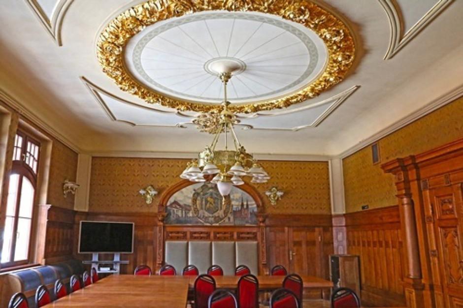 Legnica odrestaurowała reprezentacyjną salę ratusza