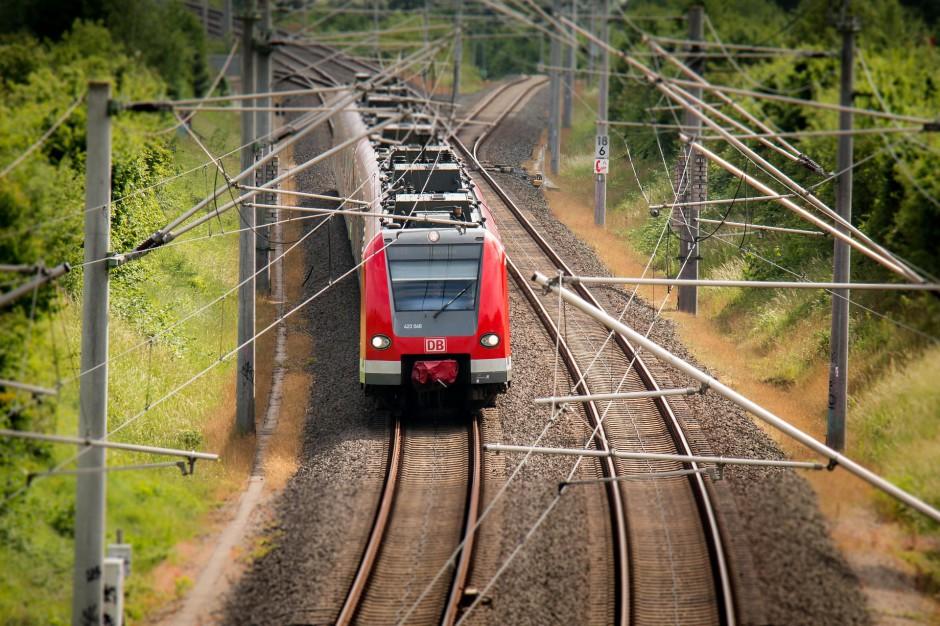 Pociągi: Polska uruchamia nowe trasy kolejowe