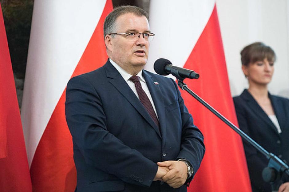 Dera podkreślił, że prezydent jest strażnikiem konstytucji i zawsze każda ustawa jest analizowana pod kątem zgodności z konstytucją (Andrzej Dera, fot.prezydent.pl)