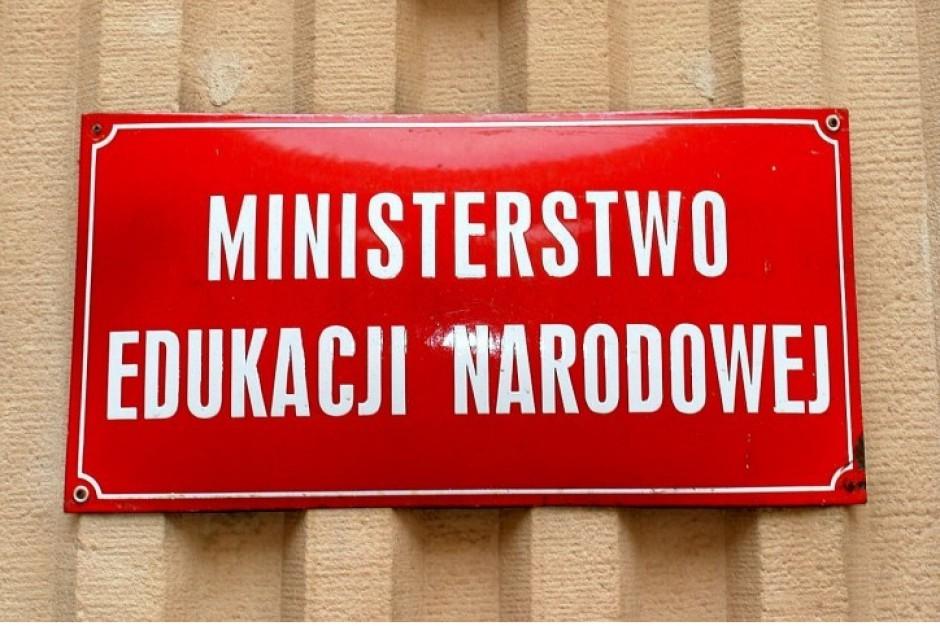 MEN: Obowiązek szkolny w polskim systemie dot. tylko dzieci mieszkających w Polsce