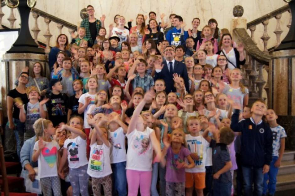 Wojewoda śląski uatrakcyjnił wakacje dzieciom ze świetlic środowiskowych