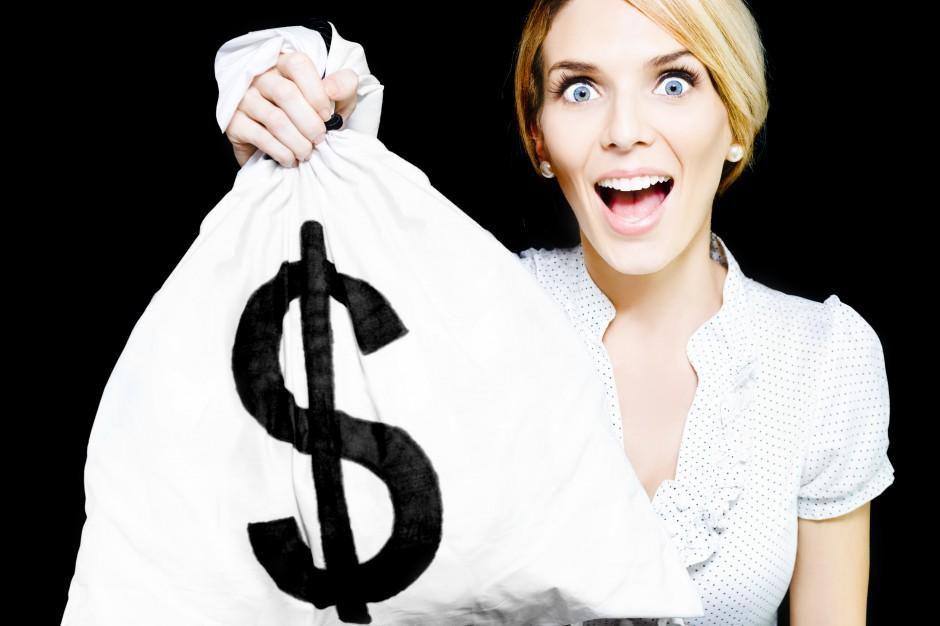Suwałki: Dodatkowe 500 zł wynagrodzenia dla urzędników, którzy przejdą na emeryturę