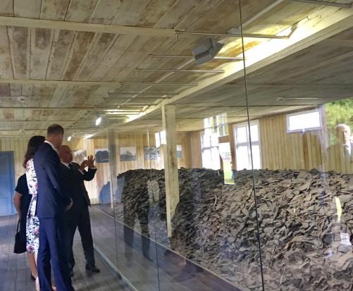 Para książęca w Polsce: Kate i William w obozie koncentracyjnym Stutthof