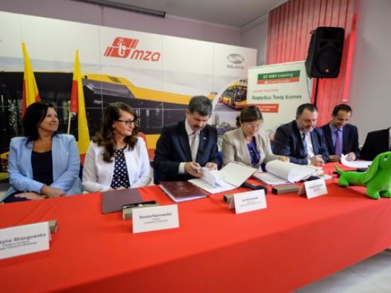 Kolejnych 10 elektrycznych autobusów trafi do Warszawy