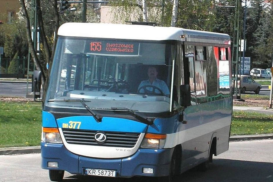 Publiczny transport zbiorowy spóźniony. W wakacje nie przyjedzie