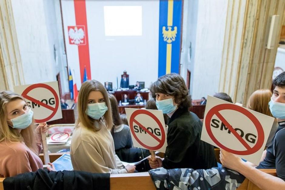 Senator Wojciech Piecha: uchwała antysmogowa napisana pod publiczkę