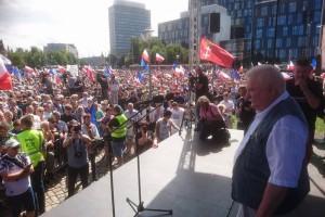 Prezydent miasta apeluje do wyjścia na ulice