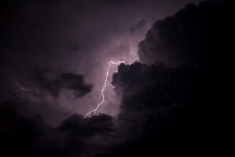 Straż interweniowałą w całym kraju po burzach