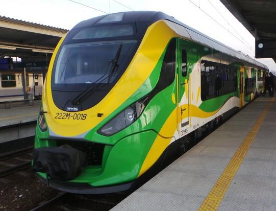 W zeszłym roku prawie 16 mln pasażerów kupiło bilet na pociąg przez internet