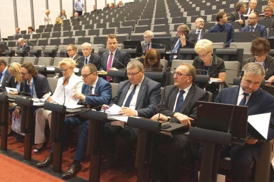 Sejmik wielkopolski wyraził uznanie dla protestujących ws. reformy sądownictwa