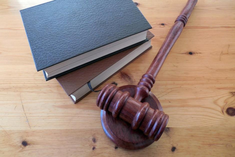 Zachodniopomorskie: Radny wojewódzki z prokuratorskim zarzutem niedopełnienia obowiązków