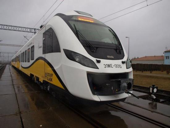 Koleje Dolnośląskie idą na rekord. W pierwszym półroczu przewiozły ponad 4,5 mln pasażerów