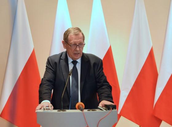 Jan Szyszko, minister środowiska zapowiada wielkie cięcie w Puszczy Białowieskiej