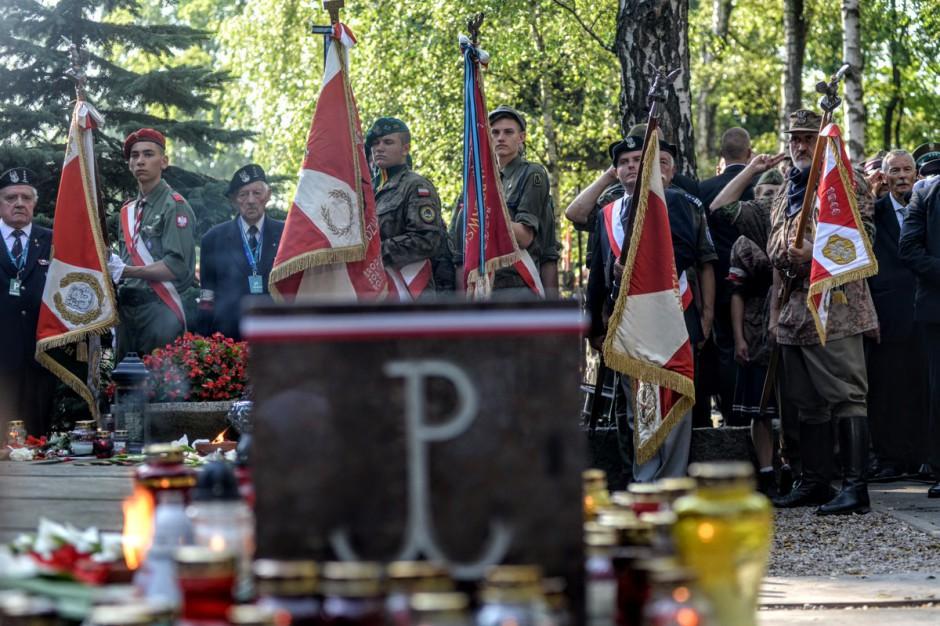 Warszawa. Na Kopcu Powstania Warszawskiego rozpalono Ognisko Pamięci