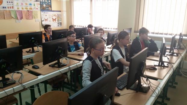Cyfryzacja szkół, nauka programowania: Szkolne pracownie komputerowe pozostawiają wiele do życzenia