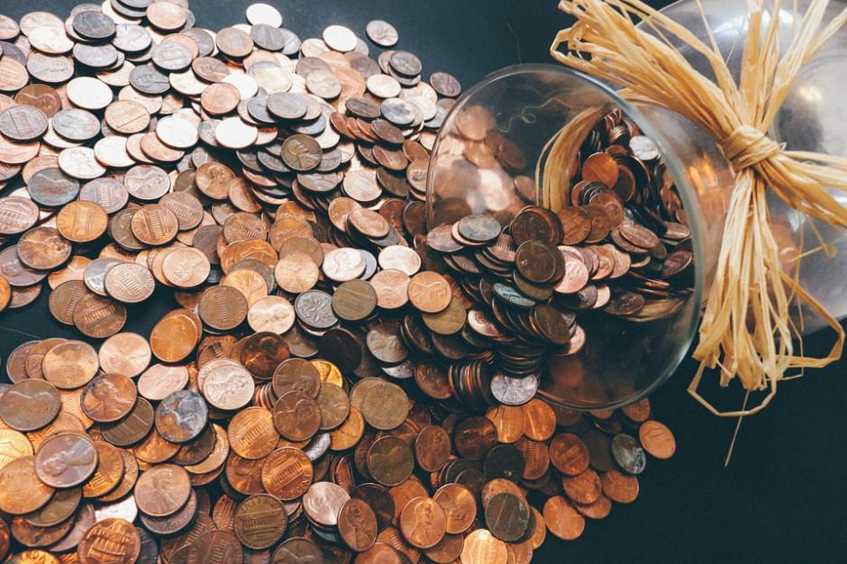 Bankowcy będą uczyć w szkołach o ekonomii. Projekt poparł Związek Powiatów Polskich