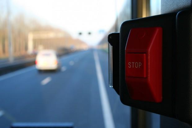 Autobusy UBB w Świnoujściu działają legalnie? Przewoźnik polemizuje z prezydentem miasta
