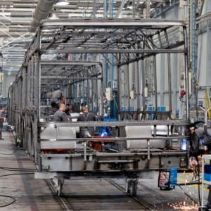 Dziennie z linii produkcyjnej zjeżdża średnio 12 nowoczesnych autobusów.