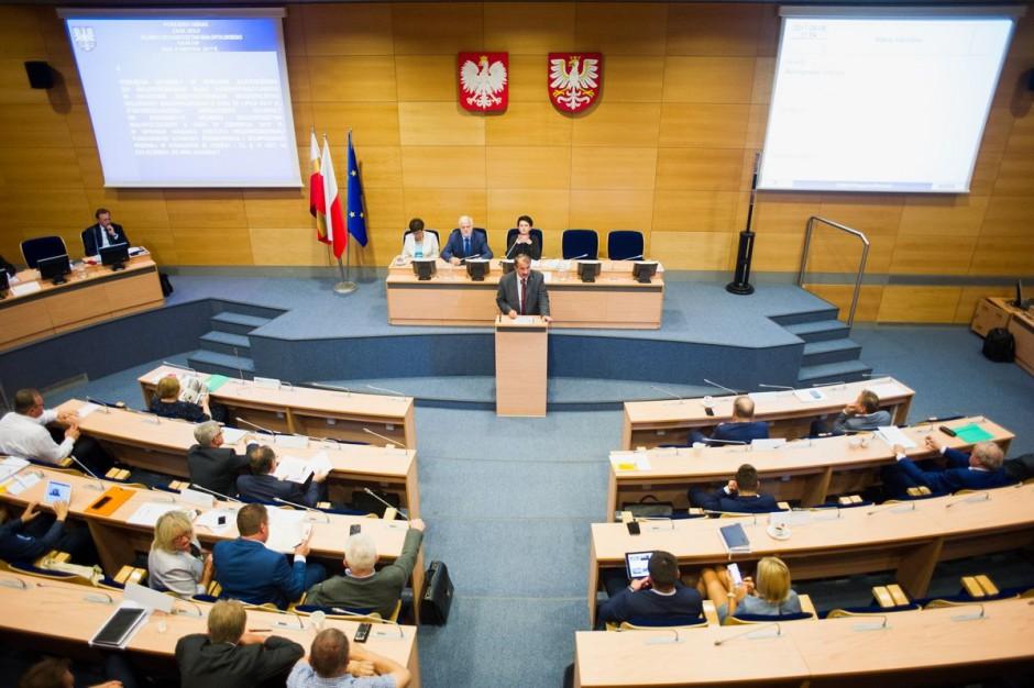 Sejmik małopolski zaskarży do sądu unieważnienie wojewody ws. statutu WFOŚIGW