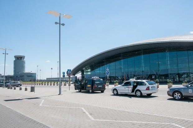 Rekordowy lipiec na lotnisku w podrzeszowskiej Jasionce