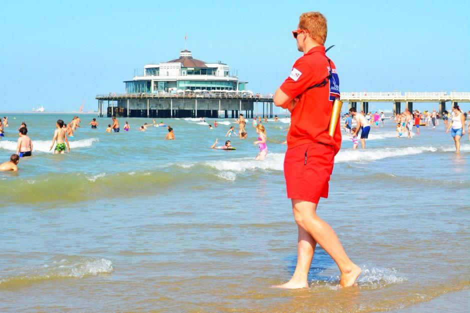 Wakacje, kąpieliska: Jak bezpiecznie wypoczywać nad wodą?