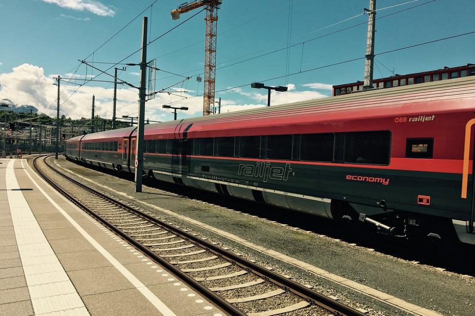 Burze odbijają się na połączeniach kolejowych