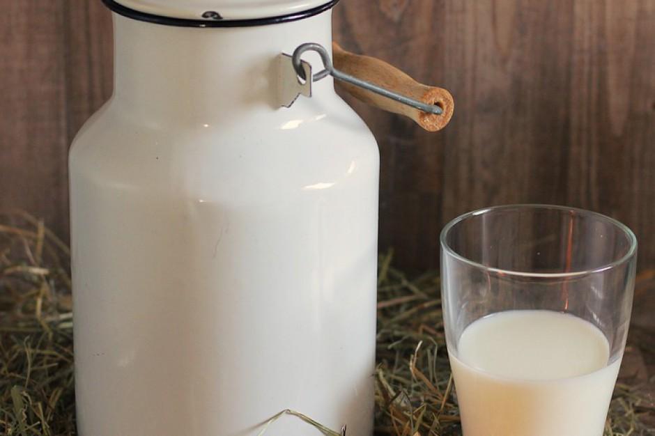 Mleko, owoce i warzywa w szkole. Kosiniak-Kamysz apeluje o pełne finansowanie programu