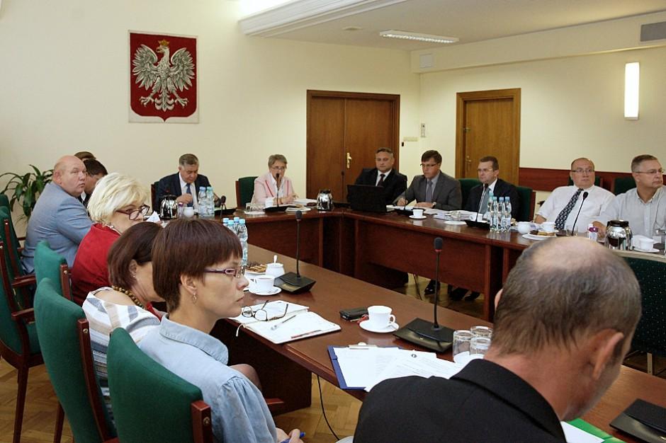 ASF w Polsce: Jak zmniejszyć poziom zagrożeń? Powstanie raport