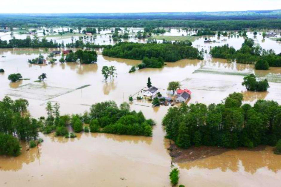 Możliwe powodzie w Polsce? Ostrzeżenie przed intensywnymi opadami deszczu