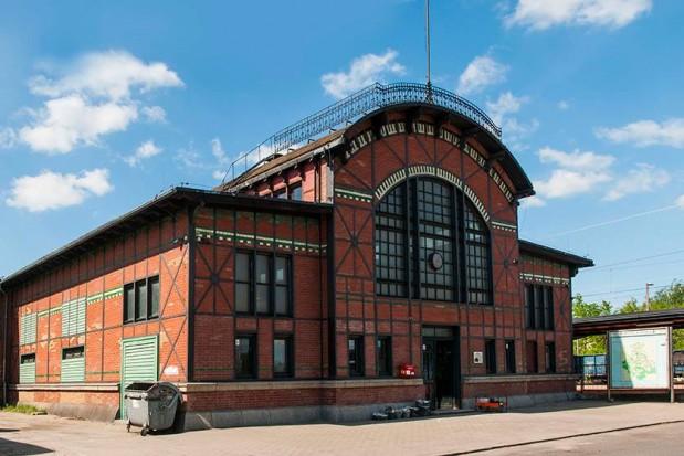 Ruda Śląska: Samorząd zrobi bibliotekę w zabytkowym dworcu w Chebziu