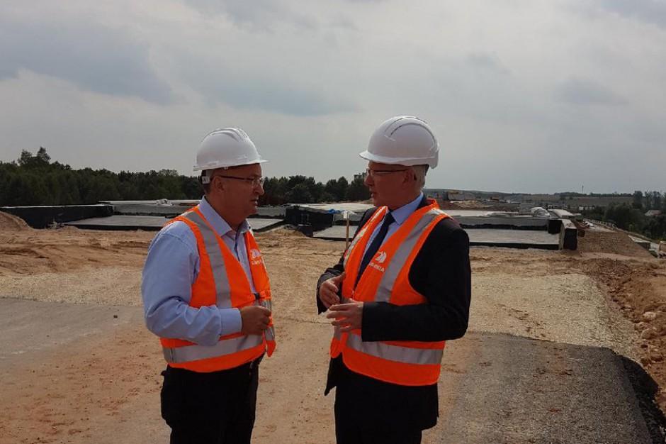Minister Adamczyk zaniepokojony stanem prac na S7