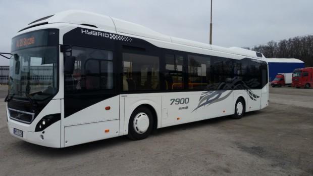 Kolejne hybrydowe autobusy Volvo trafią do polskiego miasta
