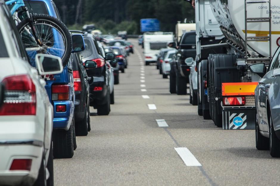 NIK: Bezpieczeństwo na trasach i autostradach pozostawia wiele do życzenia