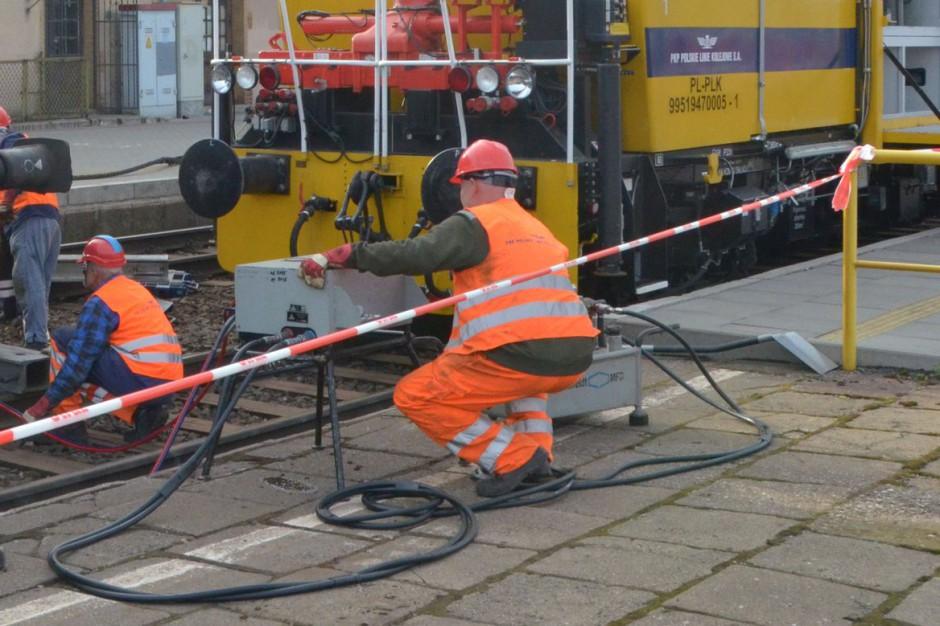 Smętowo: Trwa usuwanie skutków kolizji pociągów