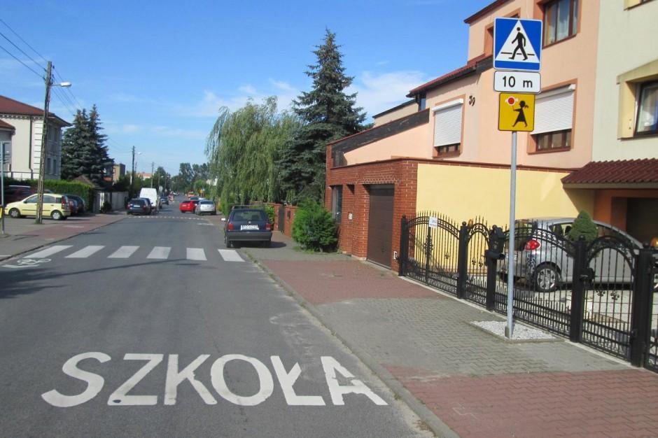 Bezpieczniej przy poznańskich szkołach